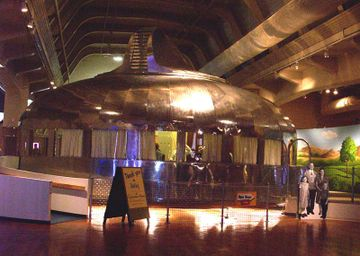 800pxdymaxion_house1_2