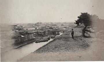 18725